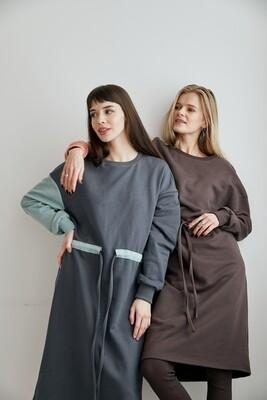 Легкое OVERSIZE платье с контрастным рукавом и поясом. Размер 42-48.