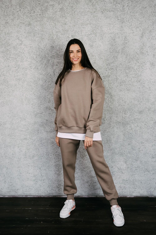 Утепленный свитшот без капюшона от базового костюма. Размер 42-52. Рост 175-182 см.