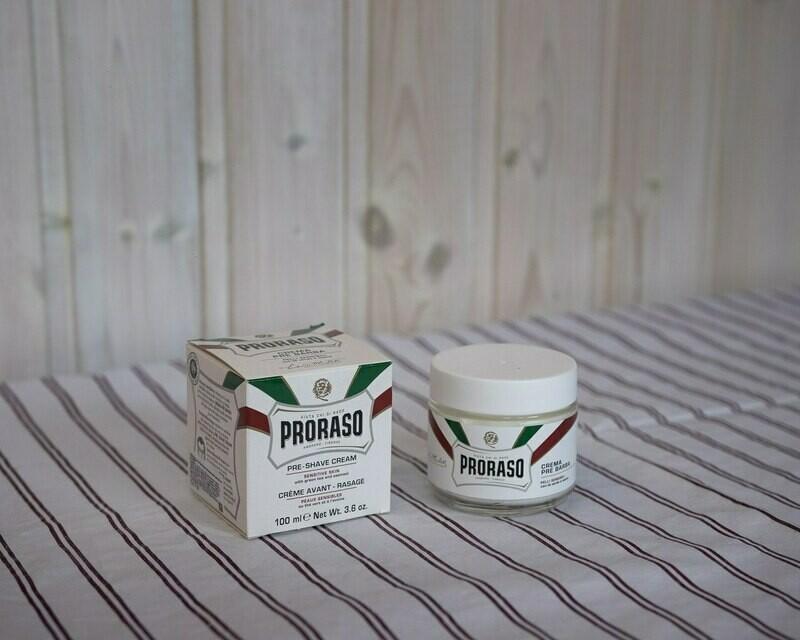 Proraso Крем До бритья для Чувствительной Кожи  Зелёный Чай и Овёс 100ml