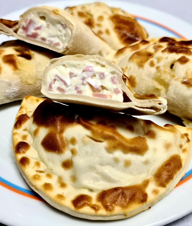 Empanadas Jamon y Queso Crema