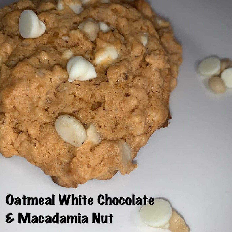 Oatmeal White Chocolate & Macadamia Nut