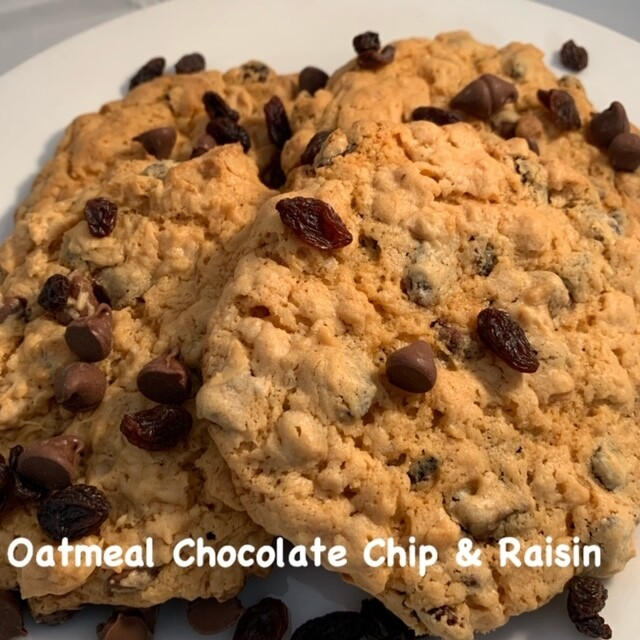 Oatmeal Chocolate Chip & Raisin