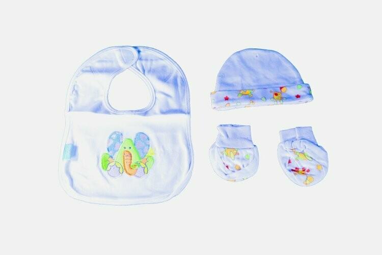 Squeek Gift Set for babies 1bib-1cap-1pair of socks