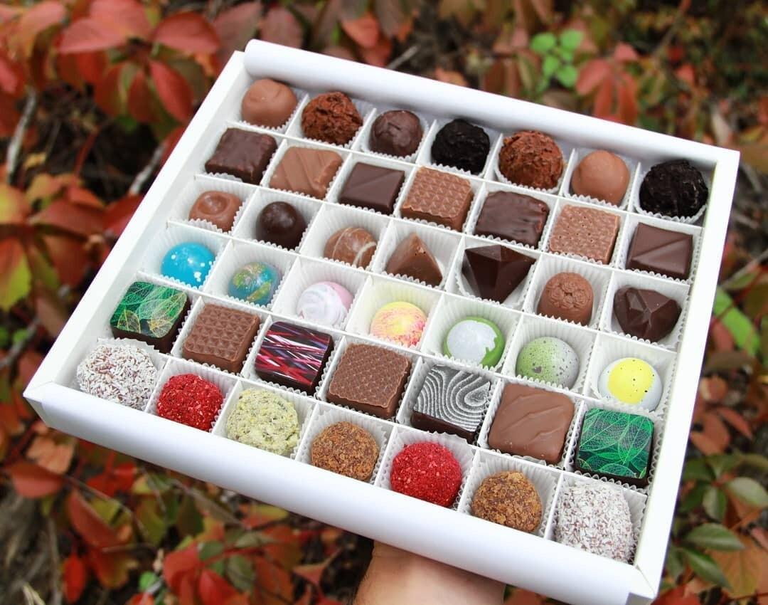 """Шоколадные конфеты ассорти """"SK CHOCOLATIER № 42"""""""