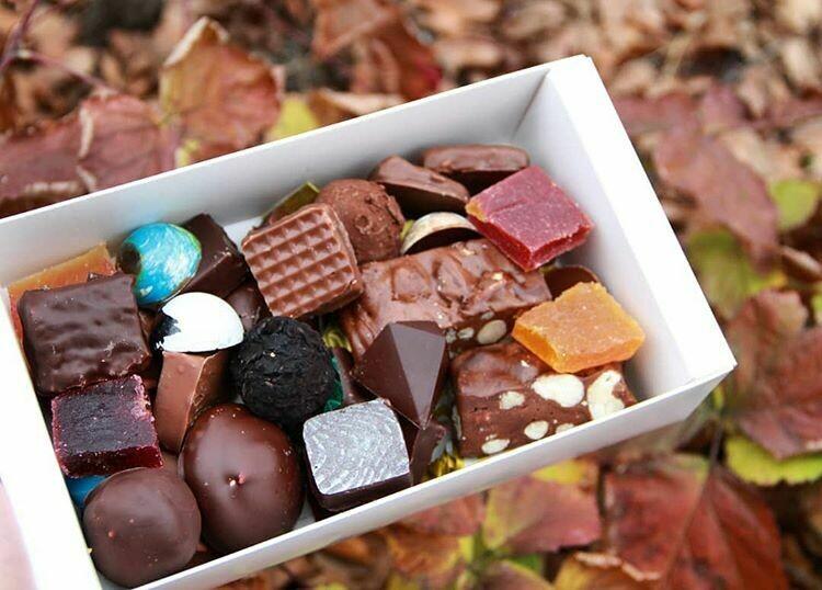 """Шоколадные конфеты ассорти """"SK CHOCOLATIER № 1"""""""