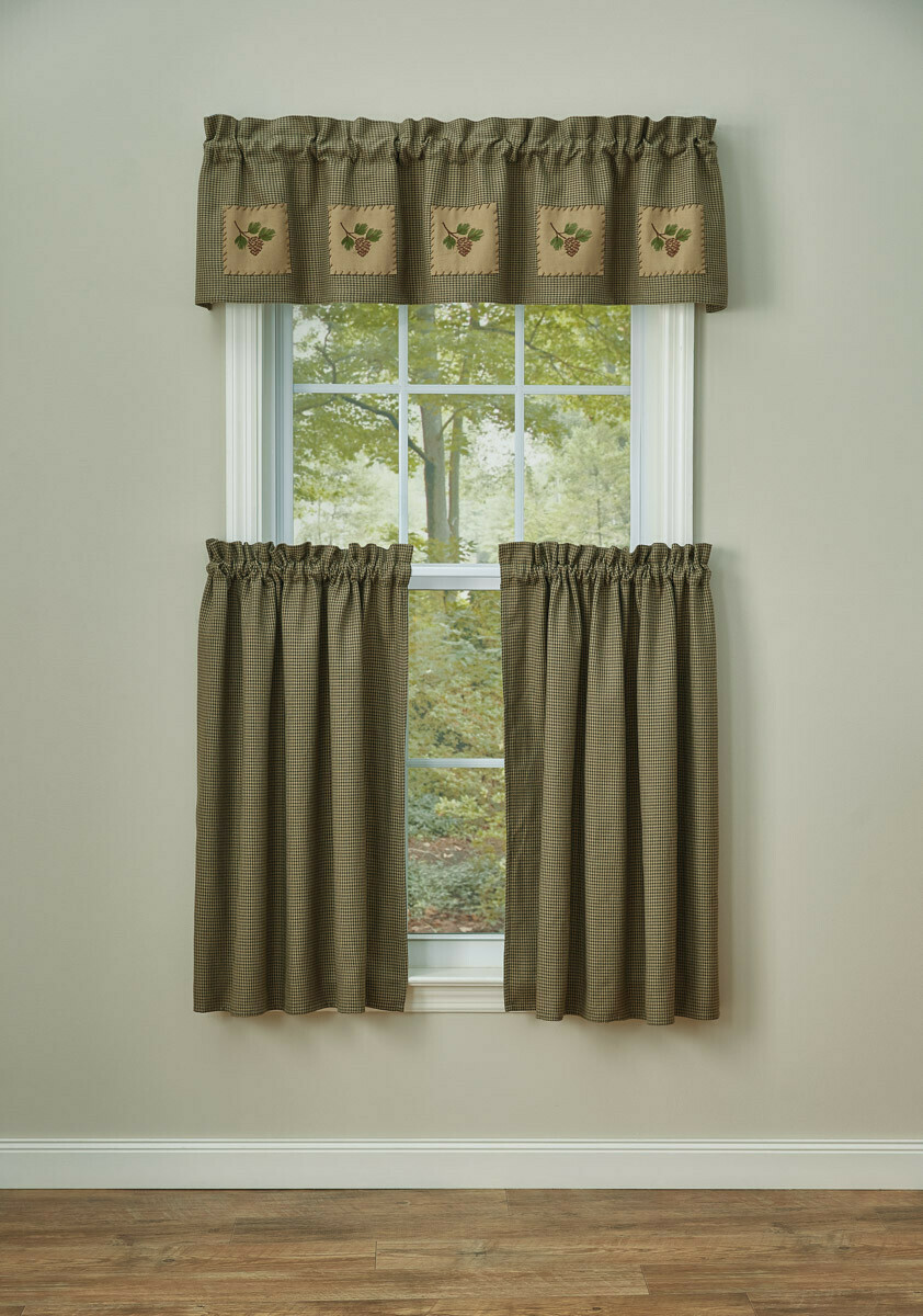 """Pineview Lined Patch 14"""" Valance"""
