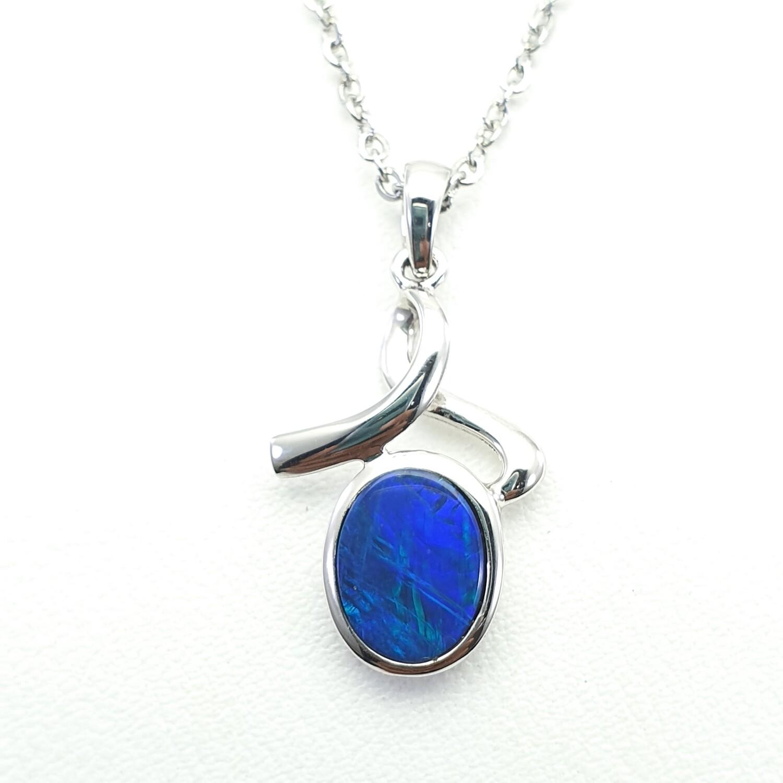 Opal, Pendant