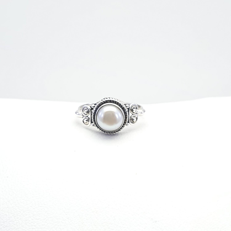 Ring, Gemstone