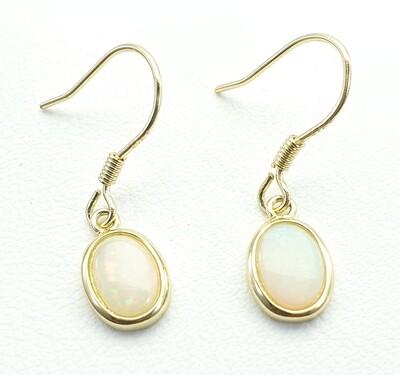 Opal, Earring