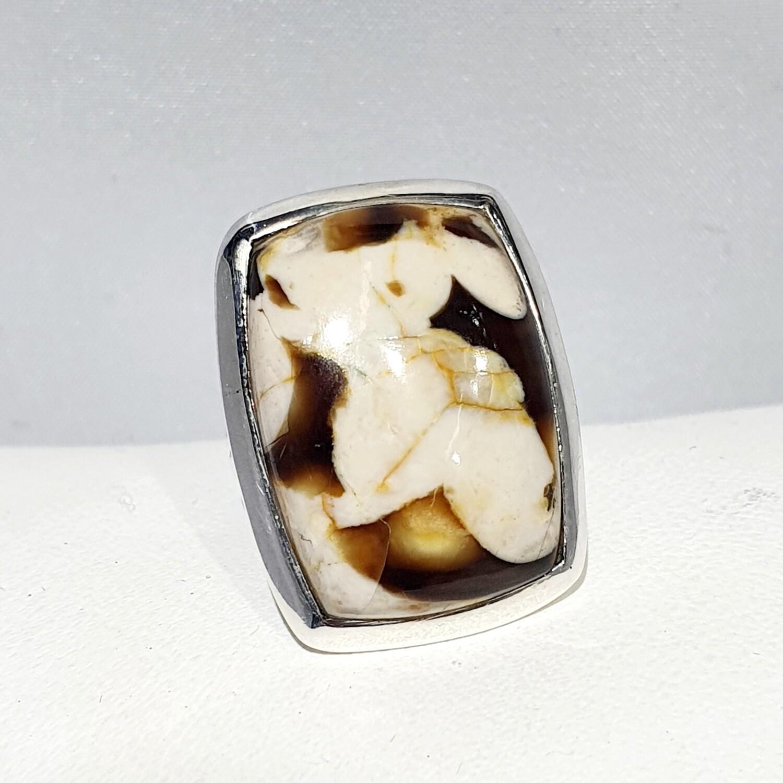 Peanut wood Jasper ring