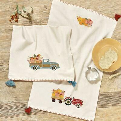 TCI Pumpkins Cookie Cutter/Towel Set