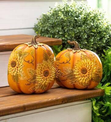 EE Carved Pumpkins w Sunflower