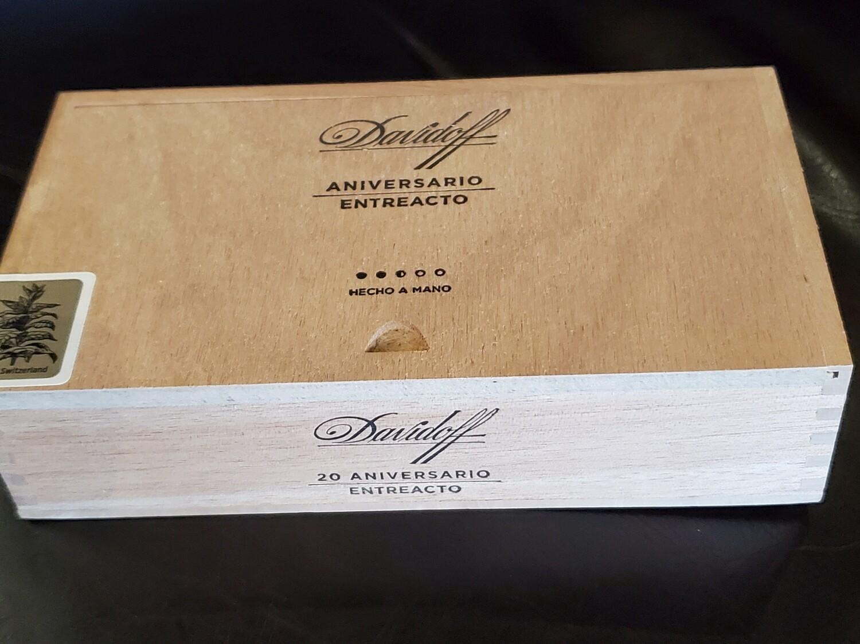 Davidoff Aniversario Entreacto - Box 20