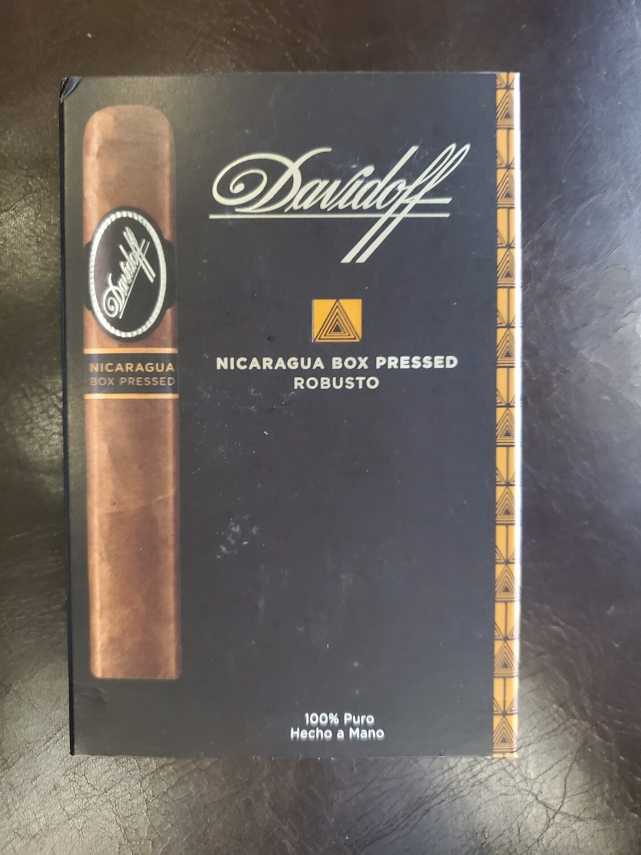 Davidoff Nicaragua Box Pressed Robusto - 4-pk