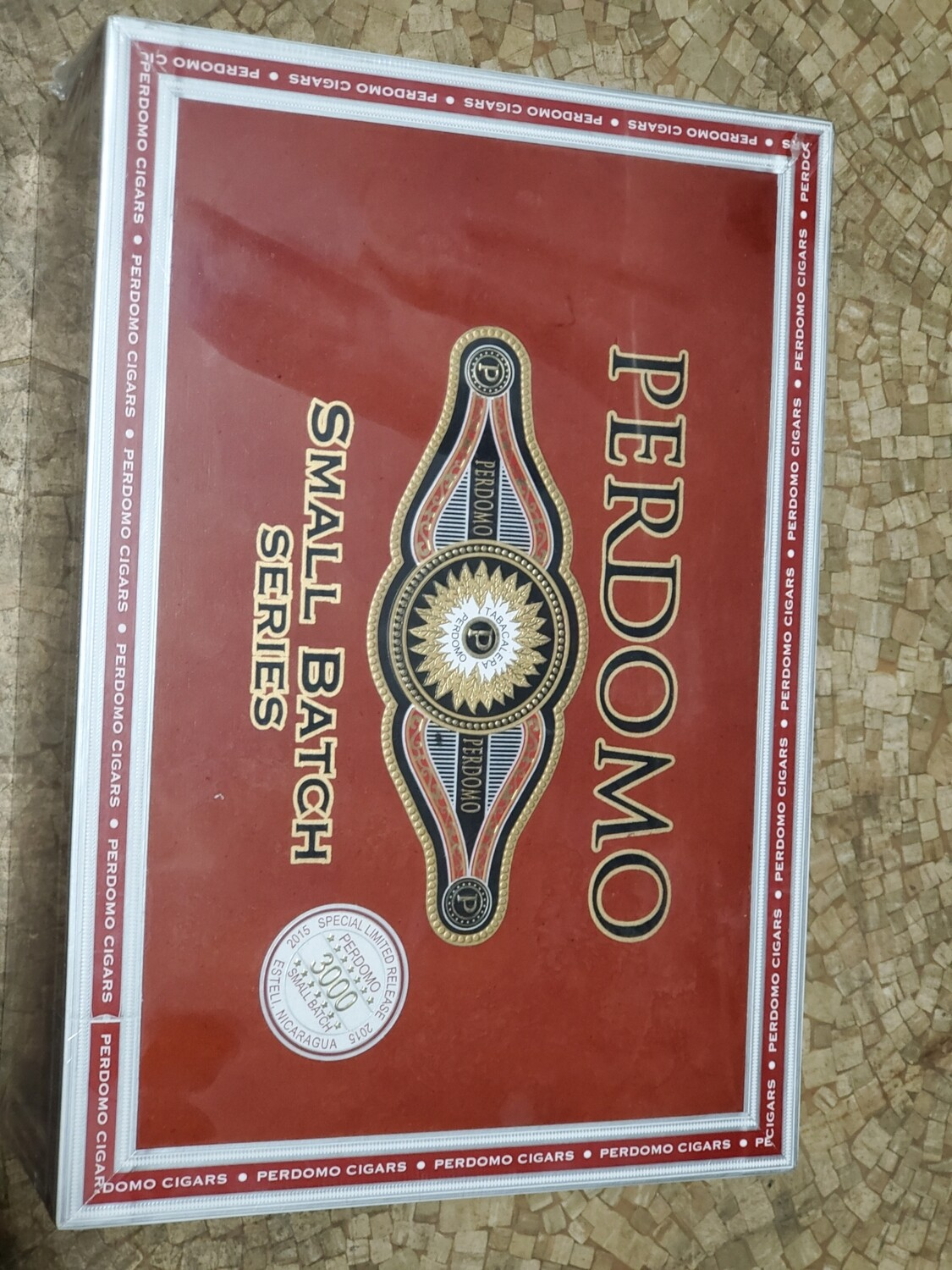 Perdomo Small Batch Connecticut Toro Especial - Box 30