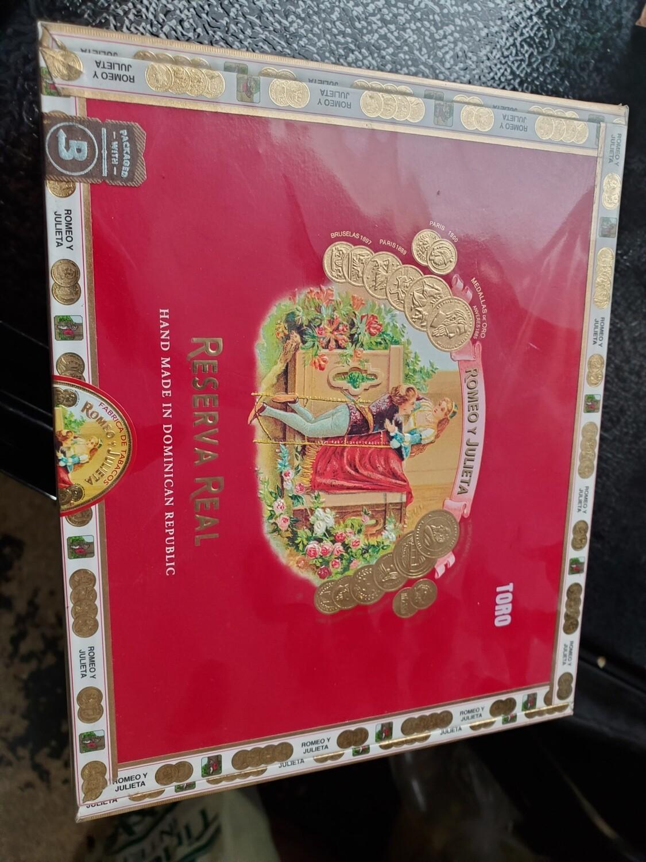 RyJ Reserva Real 1875 Toro - Box 25