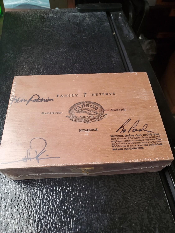 Padron FR No44 Maduro Box 10