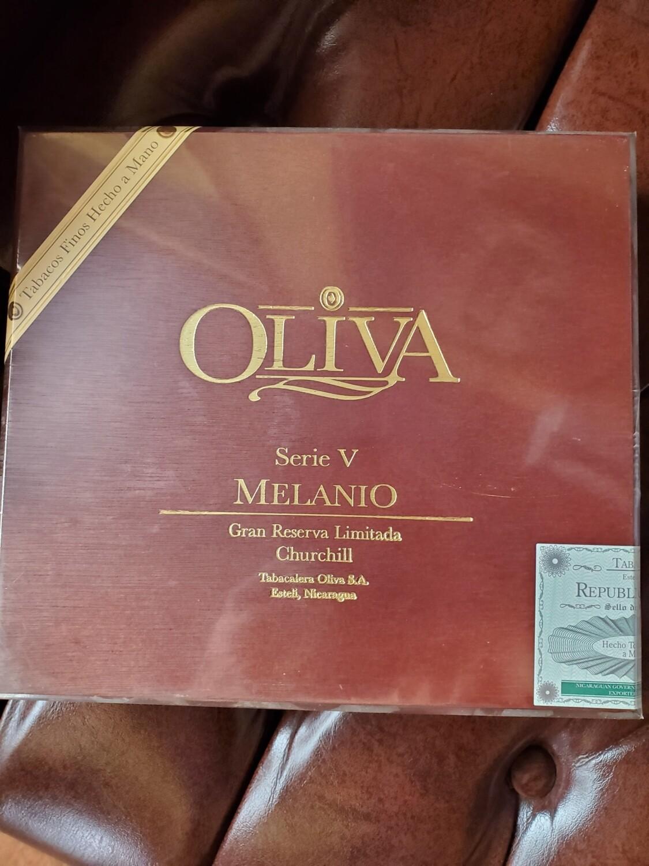 Oliva Serie V Melanio Churchill - Box 10