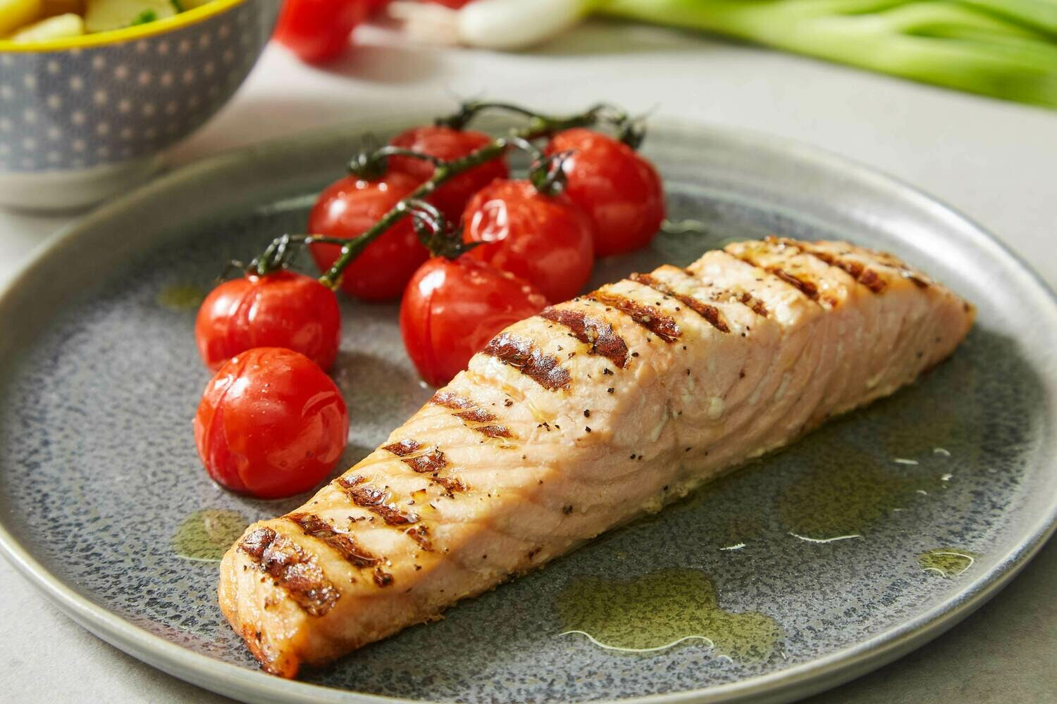 Grilled Salmon Fillet and Roasted Vine Cherry Tomatoes (GF)