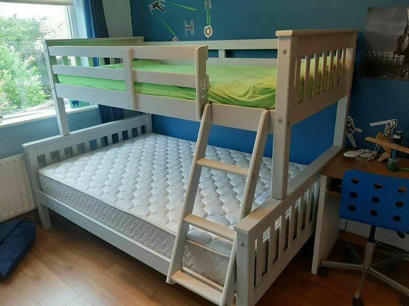 Triple bunk set