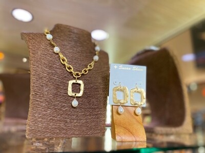 Gold W/Pearl Open Square Necklace and Earring Set