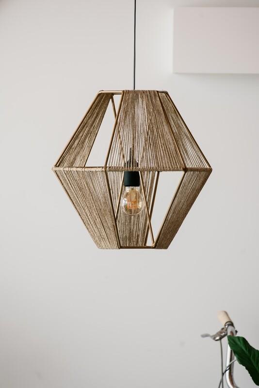 V Lamp // Candeeiro V