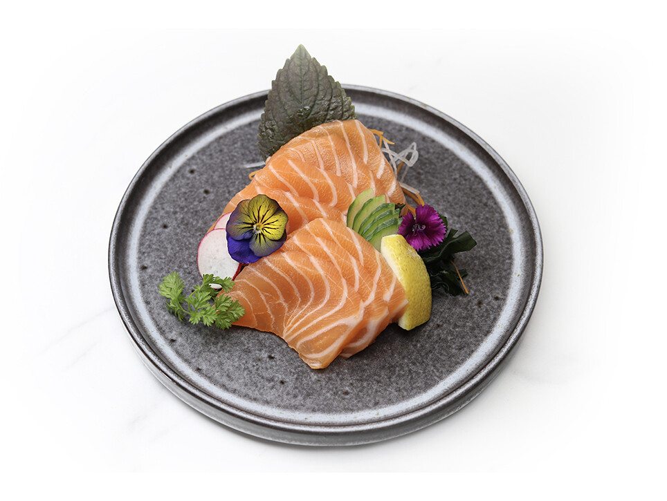 Salmon Sashimi (7 pcs)