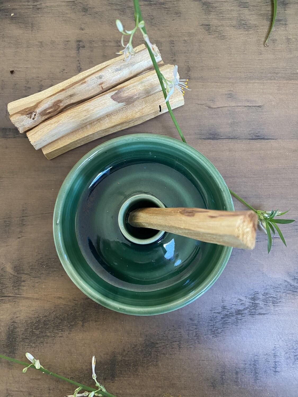Green Ceramic Palo Santo Holder & Ecuadorian Palo Santo Set