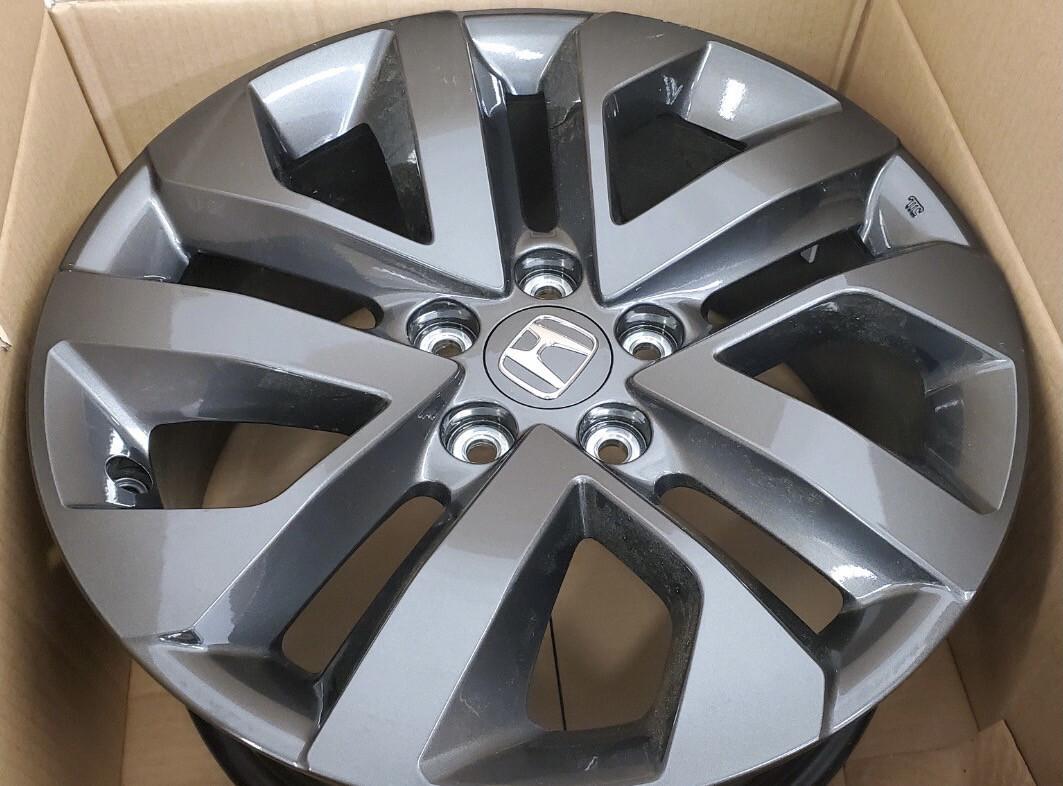 Honda OEM 18 Inch Exclusive Shark Gray Painted Alloy Wheel(s)