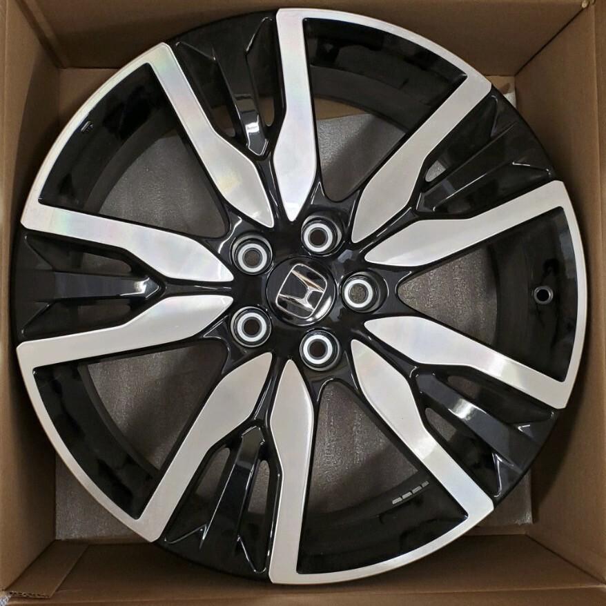 Honda OEM 20 Inch Machined Finish With Black Alloy Wheel(s)