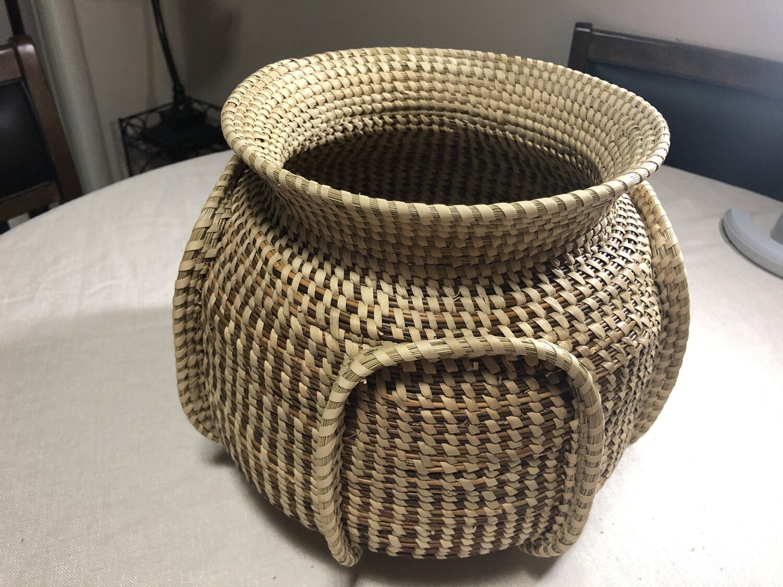 Sweetgrass Ribbed Bowl. (Elephant Ears)