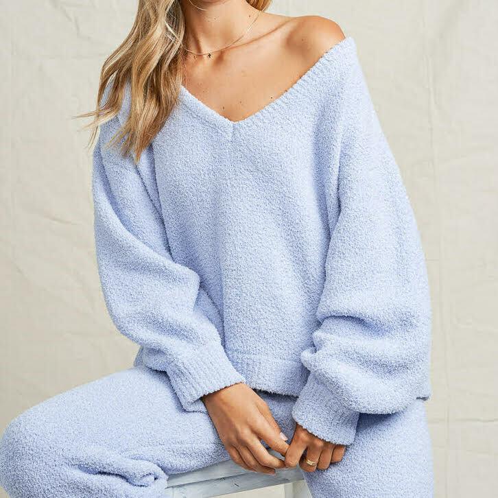 Fuzzy V Neck Pullover - MKN2022