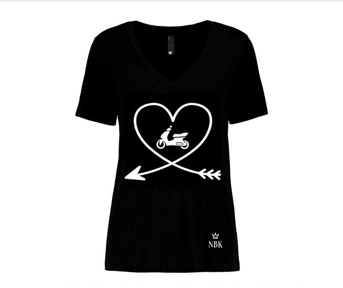 NBK V-neck Scooter cupid T-shirt