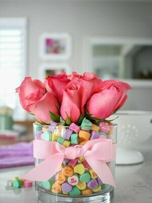 V Day Sweet Wishes in a Vase