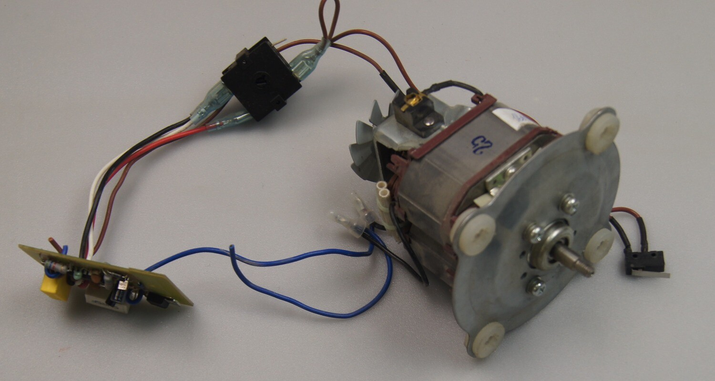 MOTOR Двигатель REDMOND RSB SMB3400 B8835ZZ 700W 220-240V CLASS F 23200 R/MIN