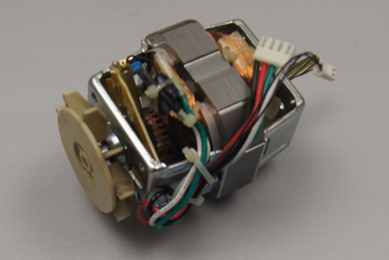 MOTOR HC8820 220-240V 50HZ C1158