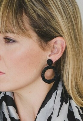 beaded open circle (M) Earrings Black