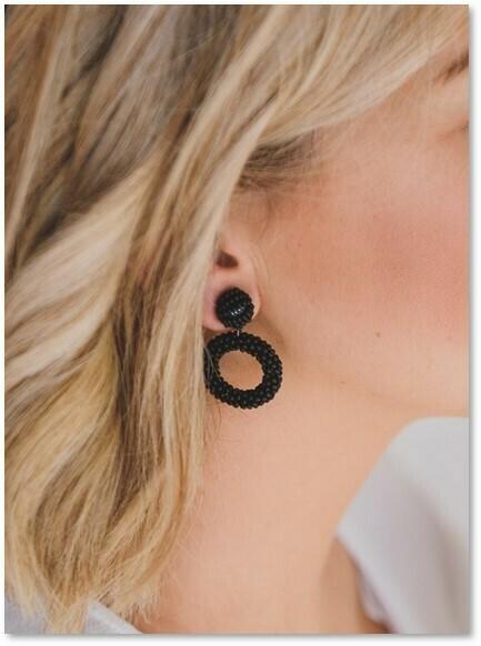 Beaded open circle (S) Earrings Black