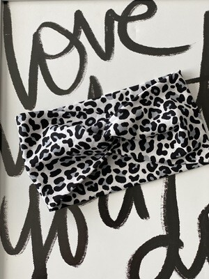 Black/grey leopard twist headband