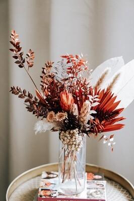 Aranjament pentru cadou, in vaza cu flori exotice stabilizate