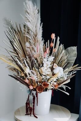 Aranjament cadou cu pampas si flori stabilizate naturale