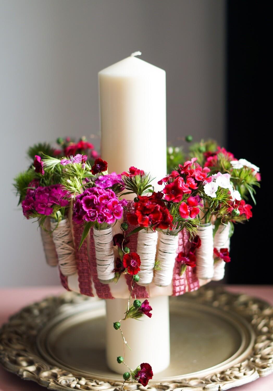 Lumanare de botez sau cununie cu flori vesele