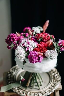 Buchet blanos cu flori naturale garofite