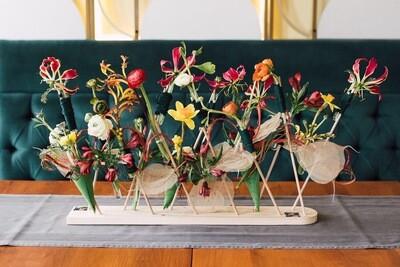 Aranjament Decorativ Armonios Cu Flori Viu Colorate