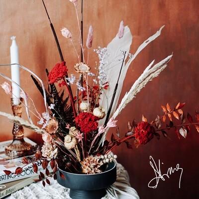 Aranjament cu flori naturale stabilizate foarte rezistente in timp