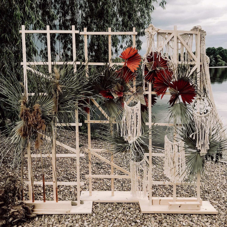 Photocorner Summer Bohemian cadru decorat cu flori naturale. Inchiriaza-l chiar acum!