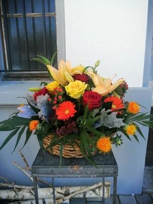 Panier de fleurs colorées