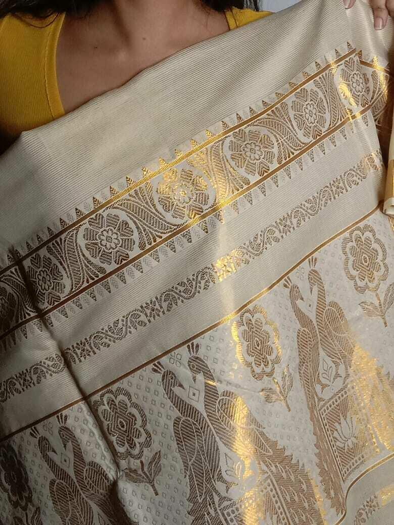 original off-white Kerala cotton swarna Kasavu saree