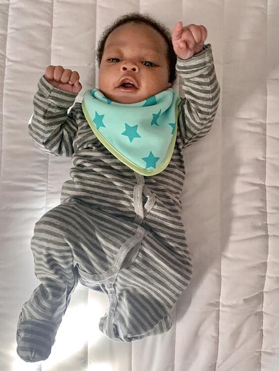 BebeDry Baby Bibs (4 Pack for 0-12 months) - Option 1