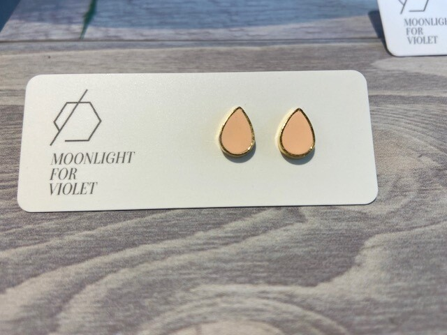 MFV Tear Drop Studs - Peach